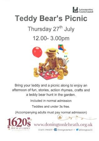Coalville, UK: Teddy Bear's Picnic