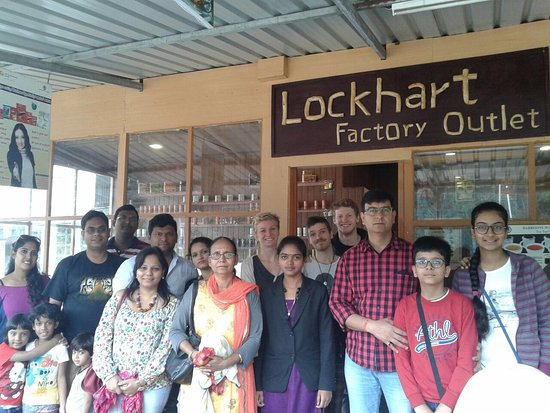 Devikulam, Индия: Guest at Lockhart Tea Factory