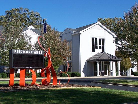 Martinsville, Wirginia: Piedmont Arts