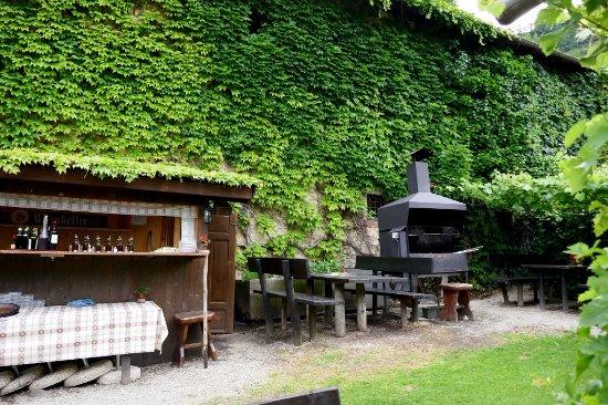 Grillstation Im Garten Foto Di Brandiskeller Lana Tripadvisor