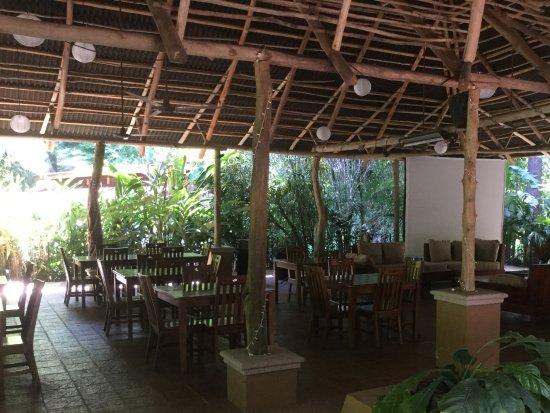 DoceLunas Hotel, Restaurant & Spa: Restaurant aire ouverte