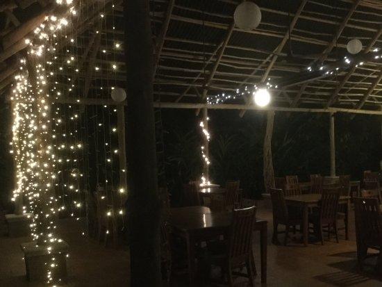 DoceLunas Hotel, Restaurant & Spa: Restaurant le soir...