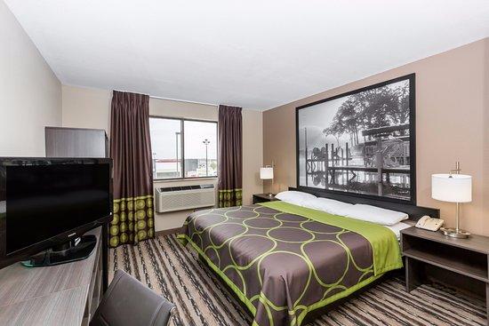 Spirit Lake, Айова: Newly remodeled King Suite