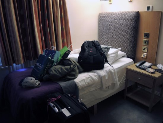 Roxford Lodge Hotel: Single Room Bathroom