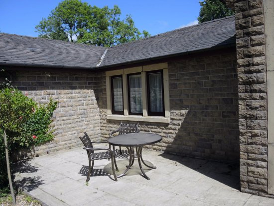 Thurnham, UK: Front patio of my 1-bedroom apartment