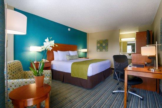North Bay Village, FL: King Room