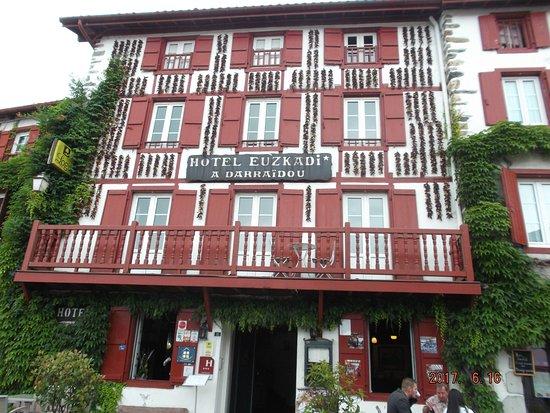 Hotel Euzkadi: la façade de l'etablisement