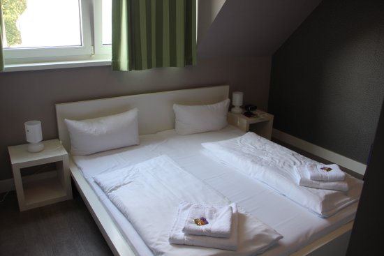 Apartmenthouse Berlin: Une des 2 chambres de l'appartement