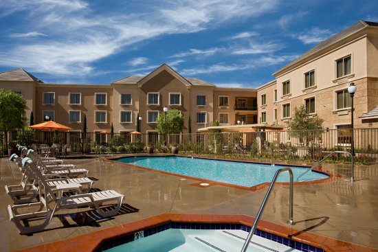 Ayres Hotel Chino Hills: Outdoor Heated Pool and Jacuzzi