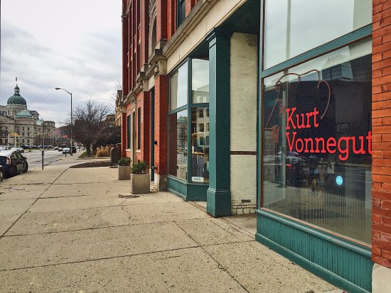 ‪Kurt Vonnegut Museum and Library‬