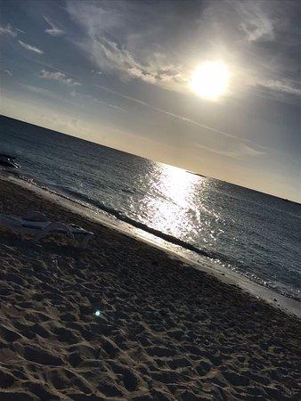 Bimini: White and Blue Beach