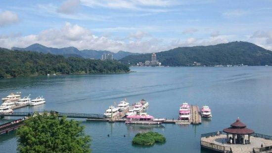 Huyue Lake View Hotel: 頂樓享用早餐還可欣賞湖面風景