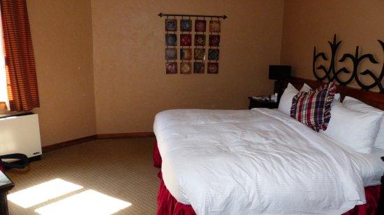 Benmiller Inn & Spa: Bedroom of Suite in Gledhill