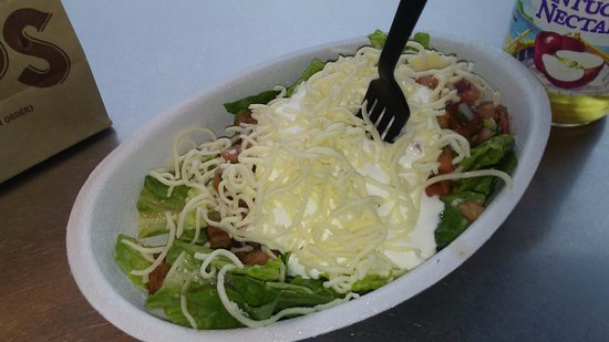 Roseville, MI: My streak salad here it was good