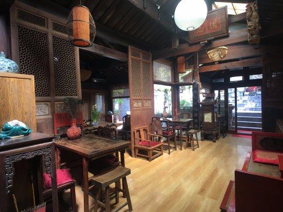 Zen Garden Hotel (Wuyi Yard): 로비입니다. 아침엔 식당이 됩니다.