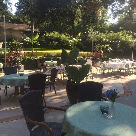 Aiken, Güney Carolina: Stables Patio
