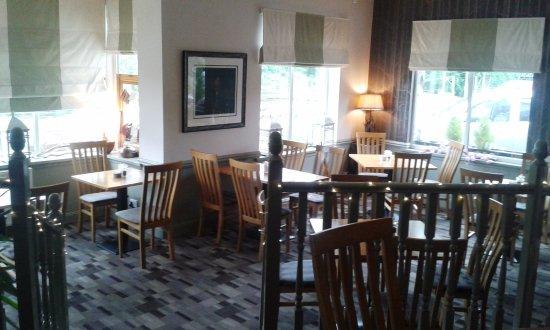 The Inn on the Tay : Corner tables