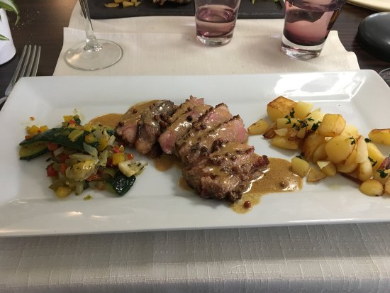 Saint-Gilles, Francja: Duck breast