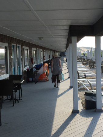Driftwood on the Ocean: Community front patios for oceanside rooms. Note the grills.