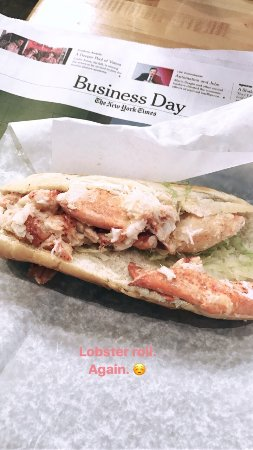 The lobster roll is love!