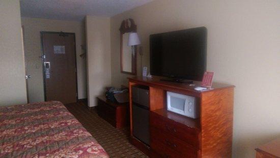 Days Inn & Suites Benton Harbor MI Foto