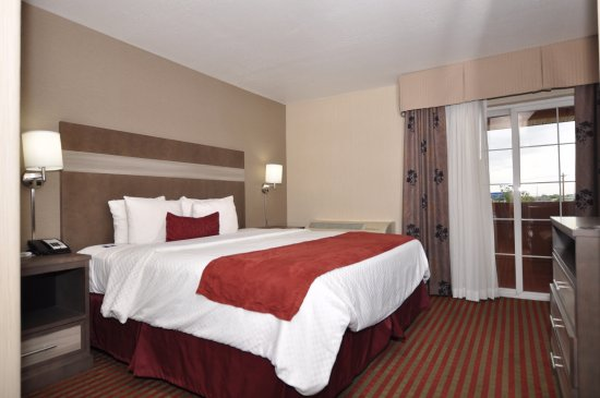 Best Western Plus Executive Suites: Balcony Suite