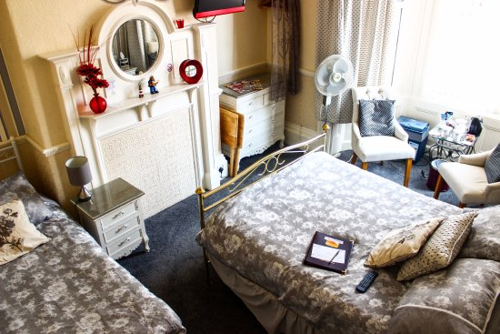 Malvern Guest House: High view of room 4 luxury suite for up to 3 people