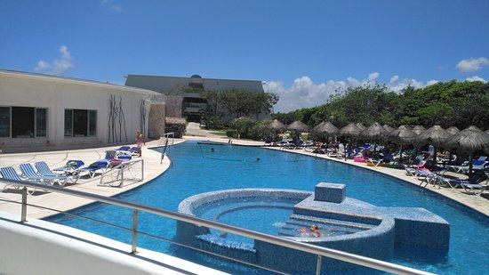 Grand Sirenis Riviera Maya Resort & Spa: swimming pool