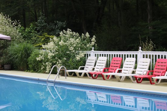 Mystic Country, CT: Beautiful pool area at the House of 1833 B & B Mystic CT