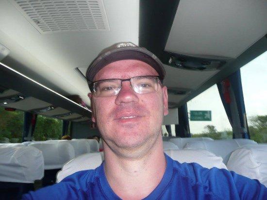 Go Natural Explorers : Selfie on the tour bus