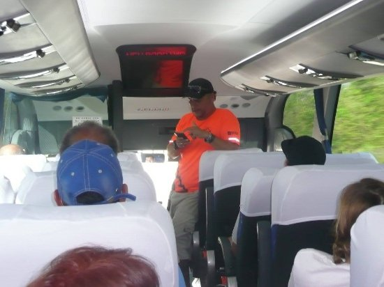 Go Natural Explorers : The guy in orange is the tour guide