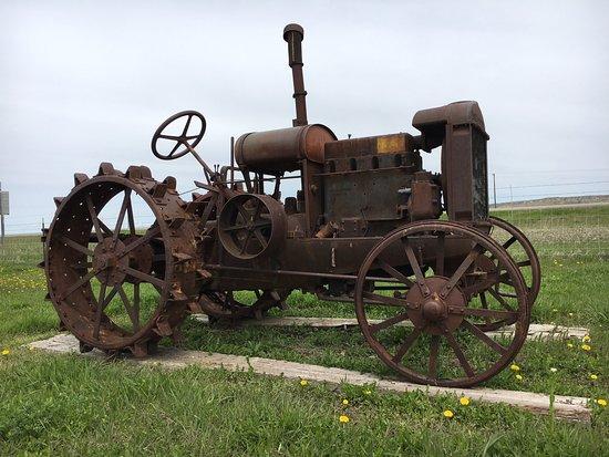 Hardin, Montana: Awesome yard art! 