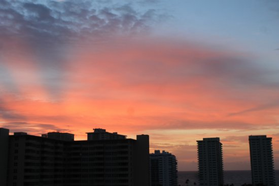 Residence Inn Fort Lauderdale Intracoastal/Il Lugano: sunrise - view from the room