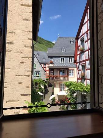 Hotel Haus Lipmann: View from one of our hotel bedroom windows.