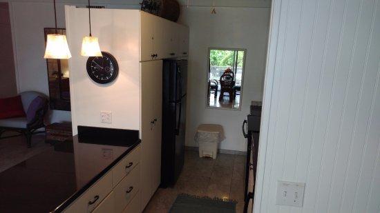 Benner, St. Thomas: Kitchen