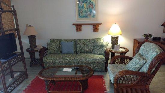 Benner, St. Thomas: Living Room