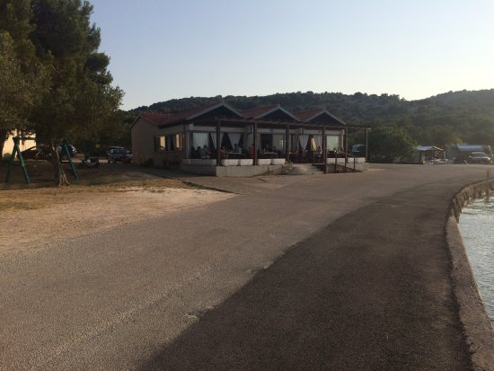 Betina, Kroasia: Restaurant Plitka vala