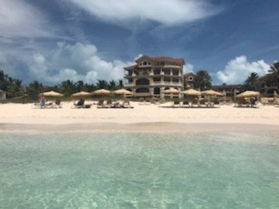 The Somerset on Grace Bay: View of the hotel from the ocean
