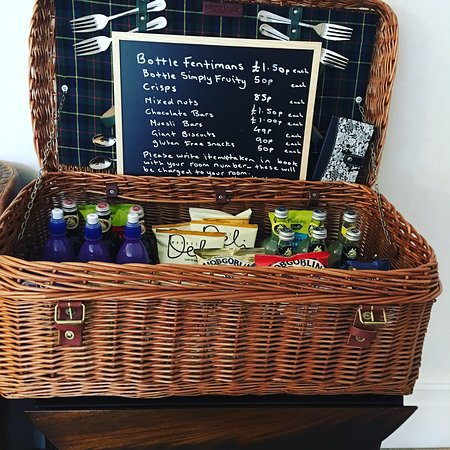 Cherry Tree Hotel: Mini bar & snacks