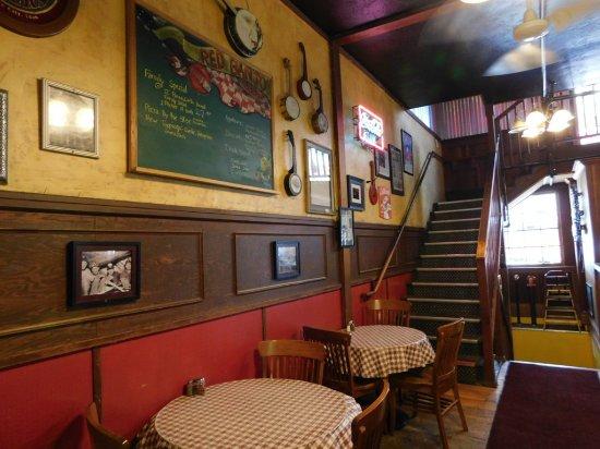 Red Banjo Pizza Parlour Interior