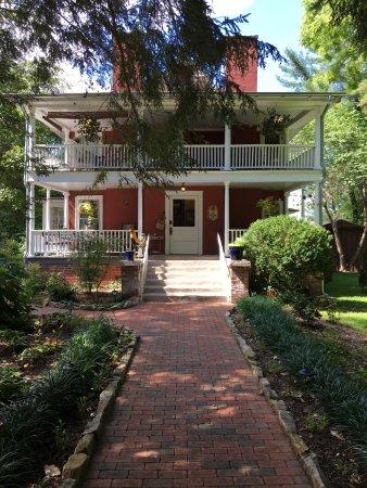 The Red House Inn Brevard