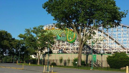 Rye, Estado de Nueva York: The classic Dragon coaster