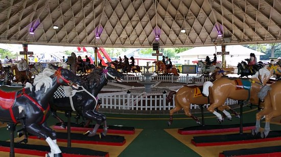 Rye, NY: The classic Racing Derby, racing carousel