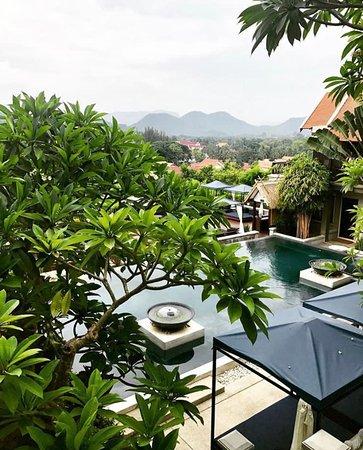 Kiridara: Gorgeous Pool