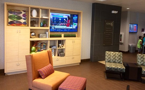 Murray, UT: Home2 Suites lobby