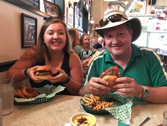 Casper & Runyon's Nook: Fabulous stop. Unbelievable burgers. We had the Juicy Nookie, beer cheese dip. Cheese curds were