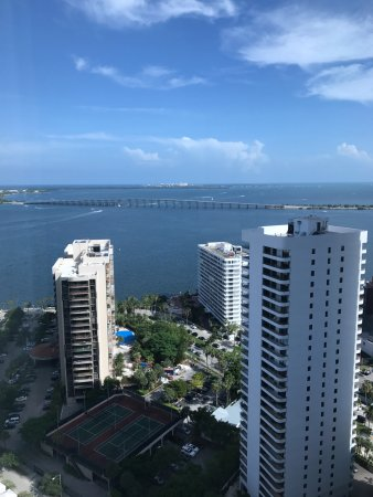 Four Seasons Hotel Miami: View from our room, on the 29th floor