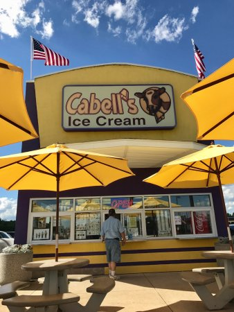 Shelbyville, IN: Cabell's Ice Cream