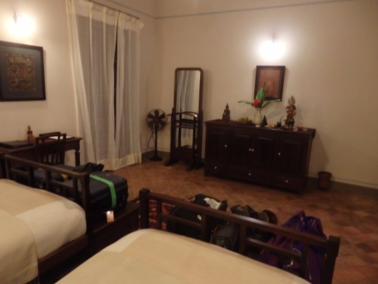 Satri House: Two twin suite