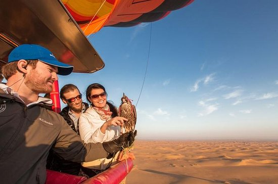 Hot Air Balloon with Gourmet Breakfast and Wildlife Safari from Dubai